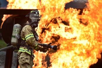 firefighter-1717918_1920-1